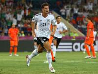 Mario-Gomez-Celebrates-Holland-vs-Germany_2780394